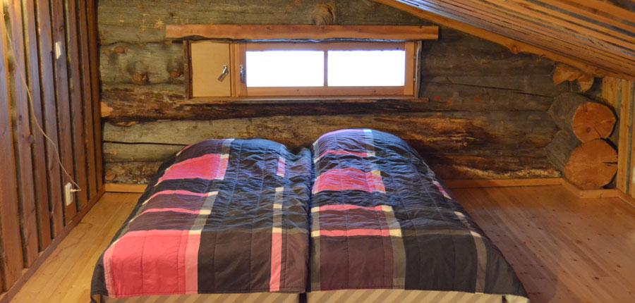 finland_lapland_pyhä_Log_Cabins _(3 stars)_2_room_mezzanine_superior_cabin_bedroom.jpg
